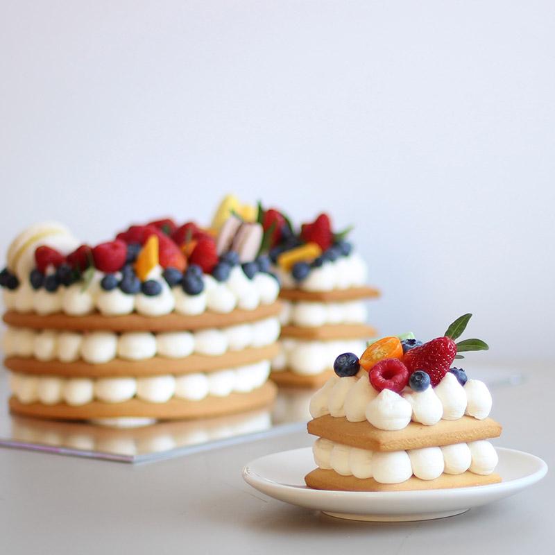 vanilnye-korzhi-vanilnyi-krem